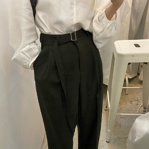 Twin pintuck slacks